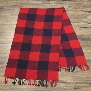 Big black and red Gap scarf